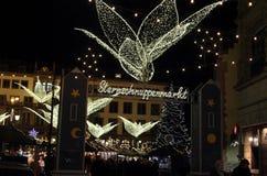 Weihnachtsmarkt in Wiesbaden lizenzfreie stockfotografie