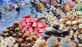 Weihnachtsmarktlebensmittel - Nachtisch, Bonbons, marzipans Lizenzfreies Stockbild