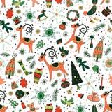 Weihnachtsmuster mit Rotwild und Bäumen Lizenzfreie Stockbilder