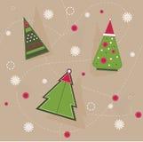 Weihnachtsmuster von geometrischen Fichten mit roten Kreisen und Schneeflocken Lizenzfreies Stockbild