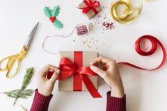 Weihnachtsneues Jahr-Feier-Dekorations-Konzept-Geschenk-Vergewaltigung Stockfotos