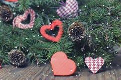 Weihnachtsniederlassungsbaum-Ballhintergrund stockfotografie