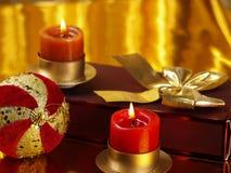 Weihnachtsnoch Leben mit Dekorationen Stockfotografie