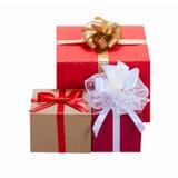 weihnachtspakete подарка на рождество кладет тесемки в коробку подарка Стоковое фото RF
