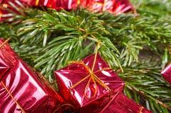 Weihnachtspakete - regalo di Natale Piccoli contenitori di regalo Immagini Stock