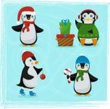 Weihnachtspinguincharaktere - Satz Winterkarikatur-Vektorillustrationen Stockfotos