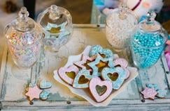 Weihnachtsplätzchen und -süßigkeiten Stockfoto