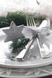 Weihnachtsplatzeinstellung mit Stern Stockbild