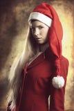 Weihnachtsporträt des Modeblondinenmädchens Stockfotografie