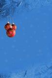 Weihnachtspostkarte im Blau Stockfotos
