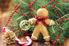 Weihnachtspostkarte mit Lebkuchenmann Stockbilder