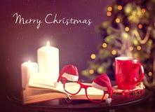Weihnachtspostkarte mit Sankt-Gläsern Stockfotografie