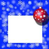 Weihnachtspostkarte, rote Kugel, Dekoration Lizenzfreie Stockfotos