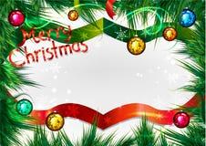Weihnachtsrahmen auf Kiefernniederlassungen Grußkarte für Weihnachten Stockbilder