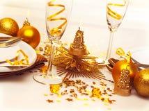 Weihnachtsromantische Tabelleneinstellung Stockfoto