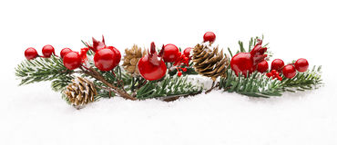 Weihnachtsrote Beeren-Dekoration, Berry Branch Pine Tree Cone stockfotografie