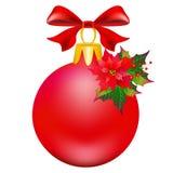 Weihnachtsroter Ball, rote Bögen, auf einem Weiß Stockbild