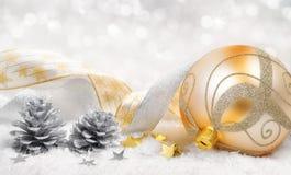 Weihnachtsruhm im Gold und im Silber Lizenzfreie Stockfotos