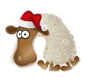 Weihnachtsschafe mit Kappe auf weißem Vektor Lizenzfreie Stockfotos