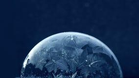 Weihnachtsschnee-Kugel-Schneeflocken-Einfrieren stock video