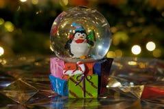 Weihnachtsschnee-Kugelball Lizenzfreie Stockfotografie