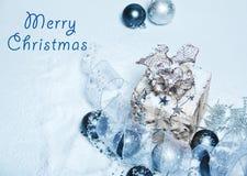 Weihnachtsschneebedeckte Karte Stockfotografie