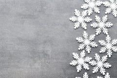 Weihnachtsschneeflocken, Hintergrund in der Weinleseart glückliches neues Jahr 2007 Stockbild