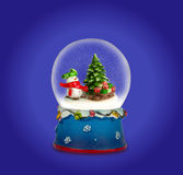 Weihnachtsschneekugel Schneemann mit Geschenken Lizenzfreie Stockbilder