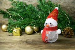 Weihnachtsschneemannspielzeug und Weihnachtsdekorationen Lizenzfreie Stockbilder
