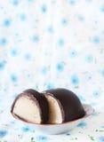 Weihnachtsschokoladen- und -marzipanplätzchen Lizenzfreies Stockfoto