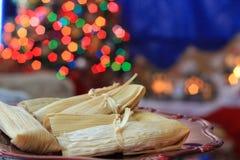 Weihnachtsselbst gemachte gefüllte Maismehltaschen stockbild