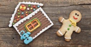 Weihnachtsselbst gemachte Lebkuchenplätzchen Stockfoto