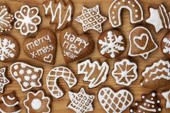 Weihnachtsselbst gemachte Lebkuchenplätzchen Lizenzfreie Stockfotos