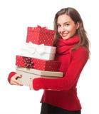 Weihnachtsspaß mit Brunetteschönheit lizenzfreie stockfotos