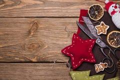 Weihnachtsspielwaren mit ihren eigenen Händen Lizenzfreies Stockfoto