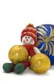 Weihnachtsspielzeug mit drei bunten neues Jahr-Kugeln Stockbilder