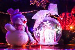 Weihnachtsspielzeugschneemann Stockbild