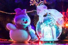 Weihnachtsspielzeugschneemann Stockfoto