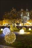 Weihnachtsstimmung auf dem Nachtalten Marktplatz, Prag, Tschechische Republik lizenzfreie stockfotos