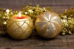 Weihnachtsstimmung mit Kerze Lizenzfreies Stockfoto