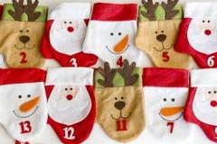 Weihnachtsstrümpfe für Geschenke Stockbild