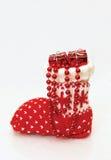 Weihnachtsstrumpf mit Geschenken Stockfotografie