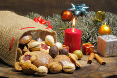 Weihnachtstasche, Weihnachtsplätzchen, Kekse, Lebkuchen, Geschenke, lizenzfreie stockbilder