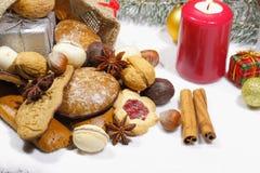 Weihnachtstasche, Weihnachtsplätzchen, Kekse, Lebkuchen, Geschenke, stockfoto