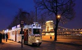 Weihnachtstram in Budapest Lizenzfreie Stockfotos