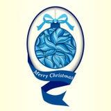 Weihnachtsvektorillustration eines Weihnachtsballs verziert mit einem Winterblumengekritzelmuster Stockbild