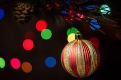 Weihnachtsverzierung mit schwarzem Hintergrund Lizenzfreies Stockbild