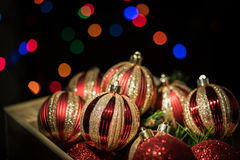 Weihnachtsverzierung mit schwarzem Hintergrund Stockfoto