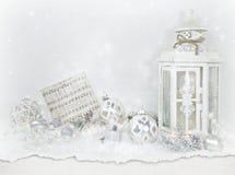 Weihnachtsverzierung und -laterne in langsamem Lizenzfreie Stockfotografie