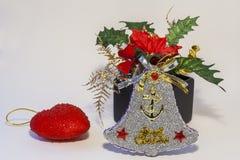 Weihnachtsverzierung und Weihnachtsstern Lizenzfreies Stockbild
